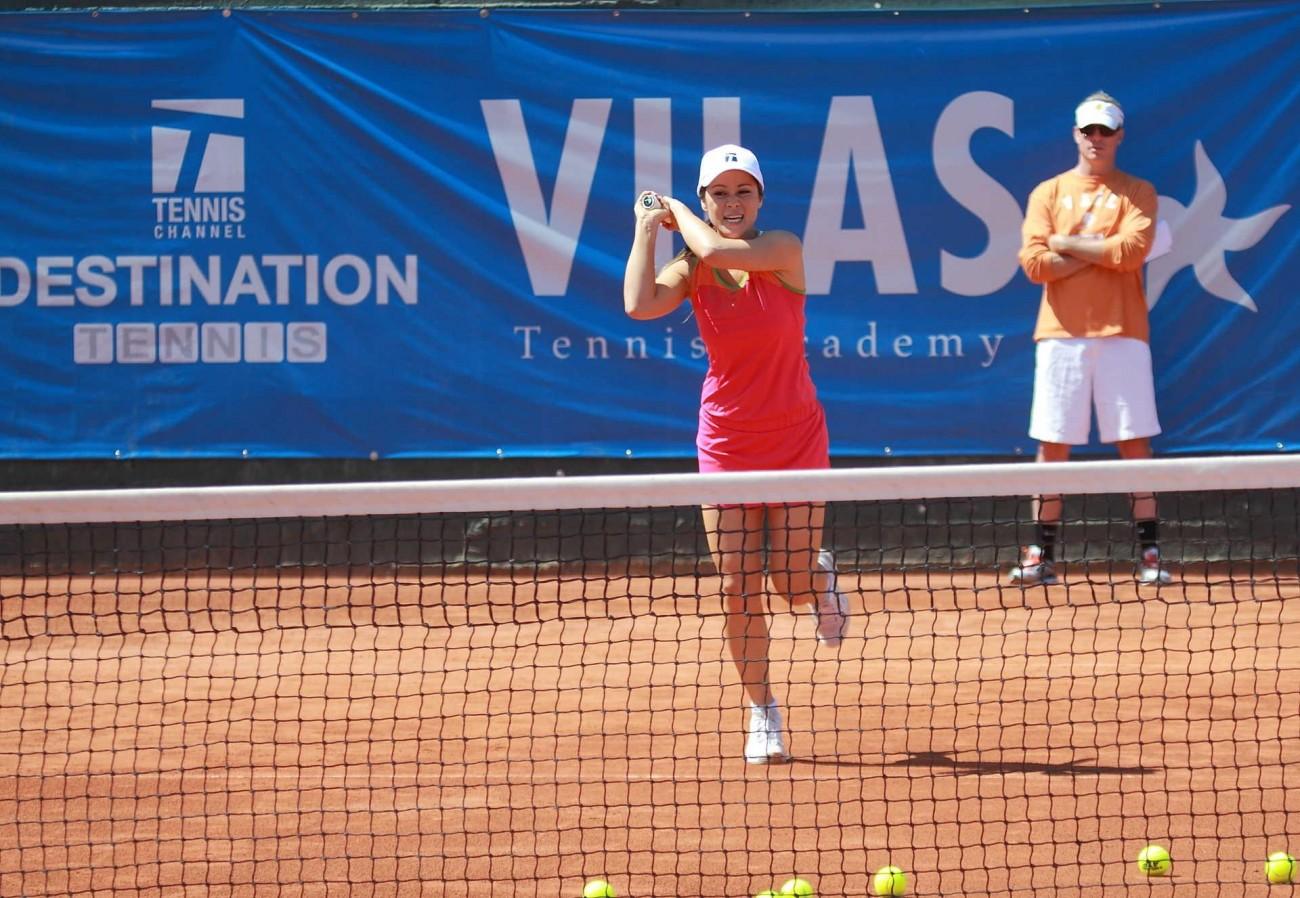 girl-adult-tennis-academy-teen